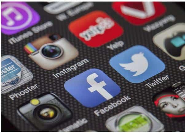 ช่องทางการจำหน่าย social media