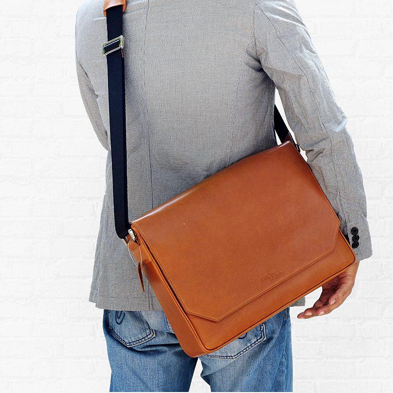 messenger leather bag tan