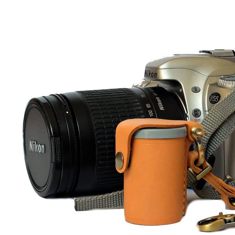กล้องฟิล์ม และกลักฟิล์มหนังแท้